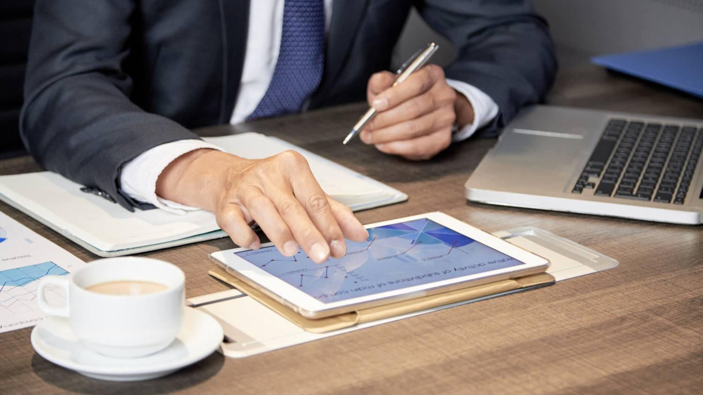 Какие взносы обязан платить ИП в 2020?